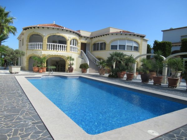 VP44 Luxury Villa For Sale in Denia with 4 Bedrooms sea views - Photo