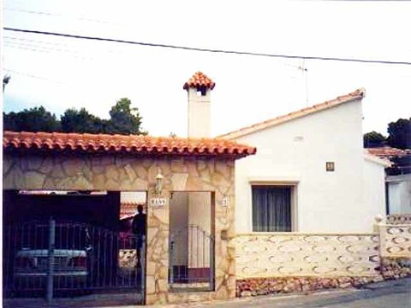 V38 2 Bedroom Villa for sale in Galeretes, Denia, with mountain views. - Photo