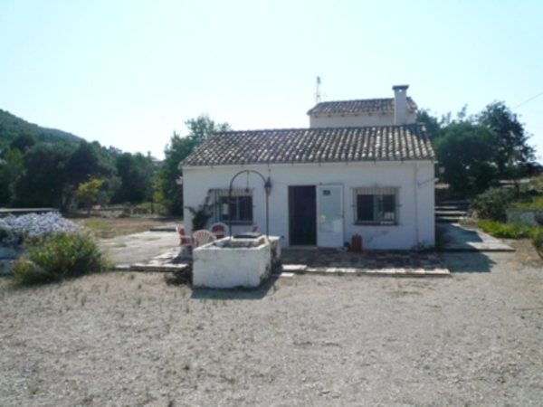 VP43 3 Bedroom Villa for sale with a large plot of land on the Montgó, Denia. - Photo