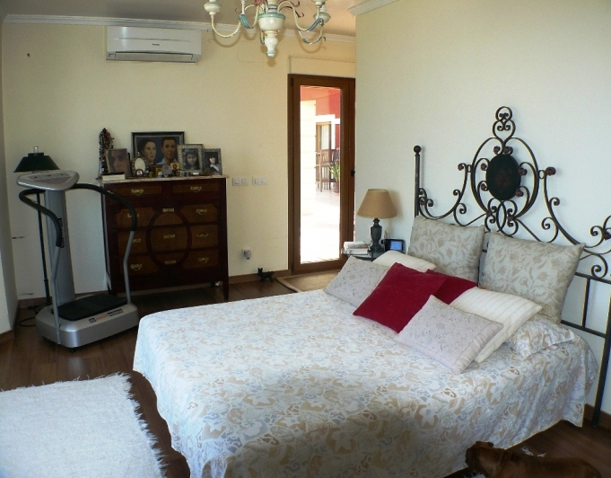 VP59 4 Bedroom Luxury Villa on the Montgó, with sea and mountain views. - Property Photo 10