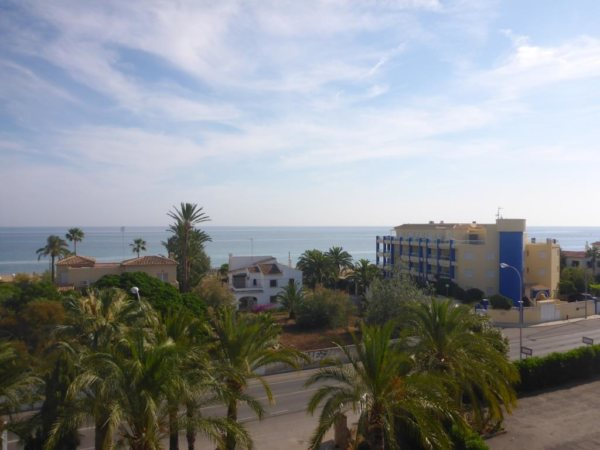 A26 2 Bedroom Penthouse for sale with sea views, Las Marinas, Denia. - Photo