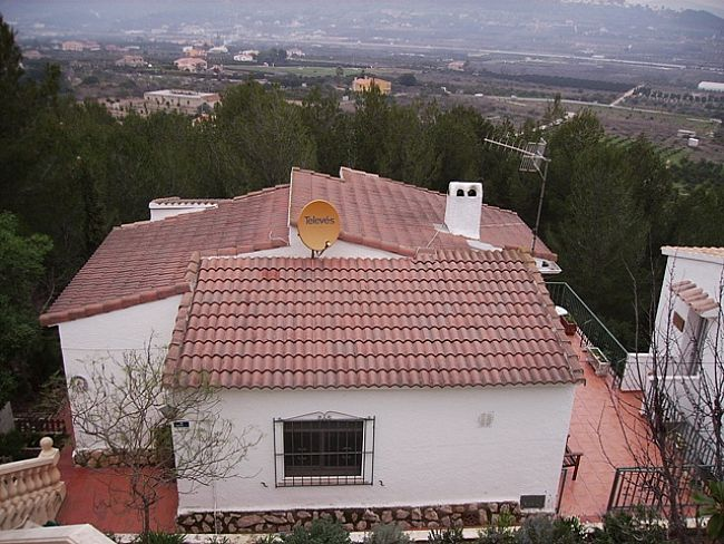 V07 3 Bedroom Villa with mountain views in Monte Pedreguer, Alicante. - Property Photo 3