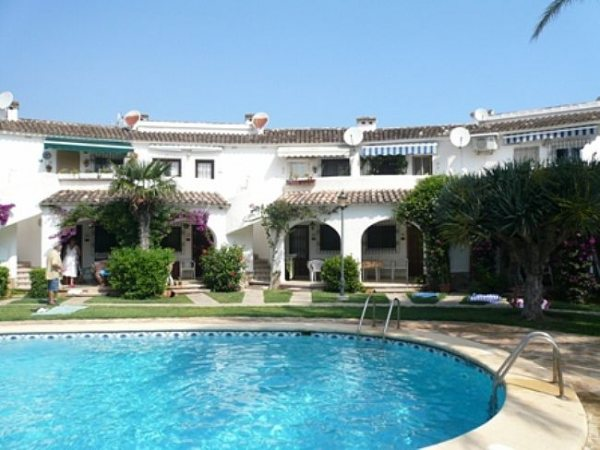 A136 2 Bedroom Ground Floor Apartment near Las Marinas beach, Denia, Spain. - Photo