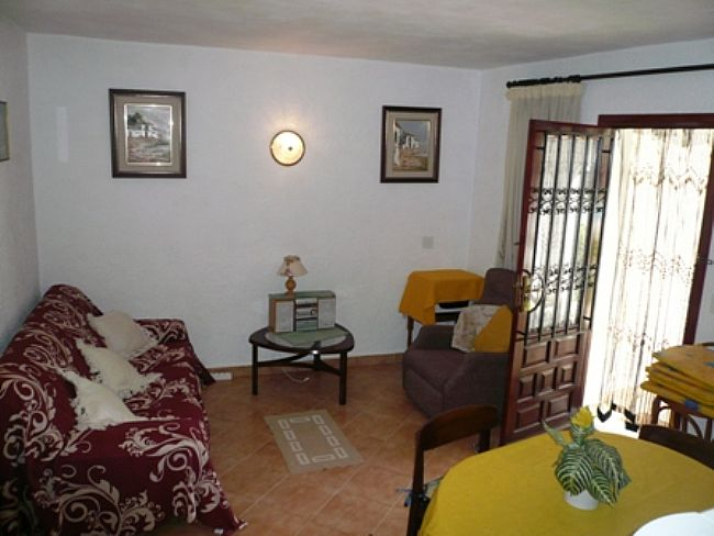 A136 2 Bedroom Ground Floor Apartment near Las Marinas beach, Denia, Spain. - Property Photo 3
