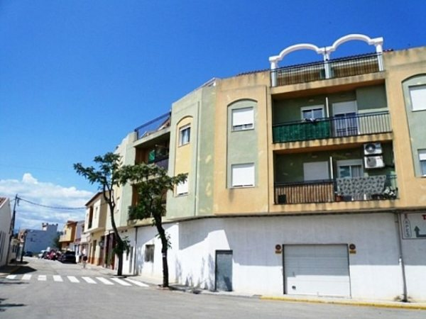 A81 4 Bedroom Flat for sale in La Jara, Alicante, with mountain views. - Photo