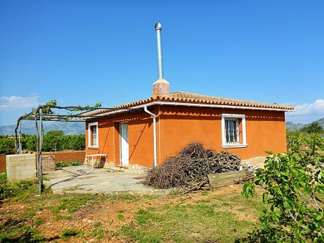 V26 Small country house for sale in Beniarbeig with 2 bedrooms. - Property Photo 1