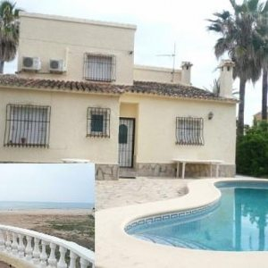 VP78 Villa For Sale on the Beach in Els Poblets with 3 Bedrooms