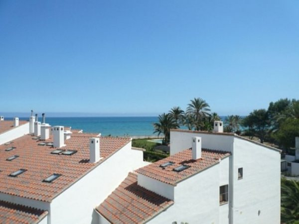 A93 4 Bedroom Apartment for sale on first line beach with sea views in Las Marinas, Denia. - Photo