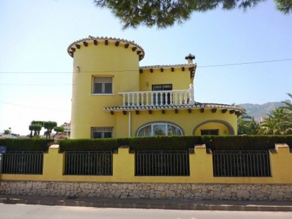 VP101 Villa For Sale in Els Poblets with 3 Bedrooms - Photo