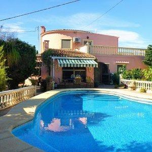 VP02 Chalet de 3 dormitorios en venta en La Jara, Alicante.