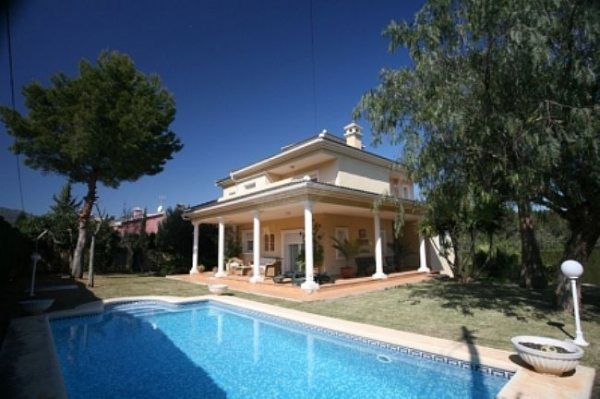 VP130 Villa For Sale in Denia with 4 Bedrooms - Photo