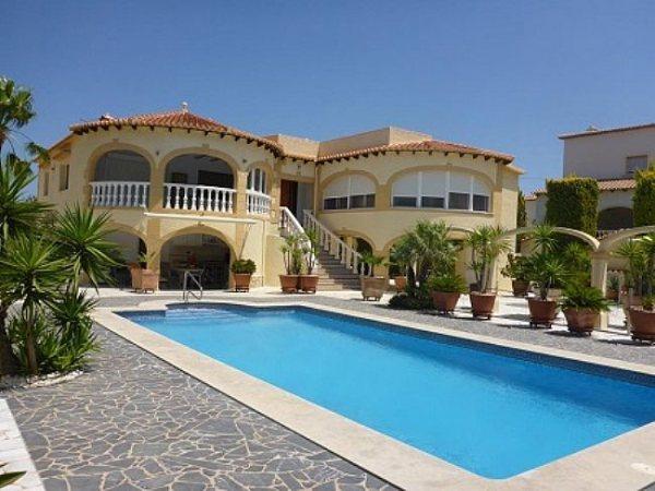 VP44 Luxury Villa For Sale in Denia with 4 Bedrooms sea views - Photo