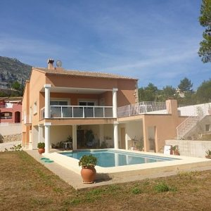 VP29 Villa For Sale in Denia with 5 Bedrooms close to Las Rotas area