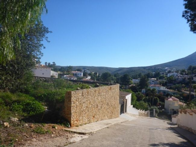 PL03 Plot of land for sale in Denia with views to the Montgó. - Property Photo 2