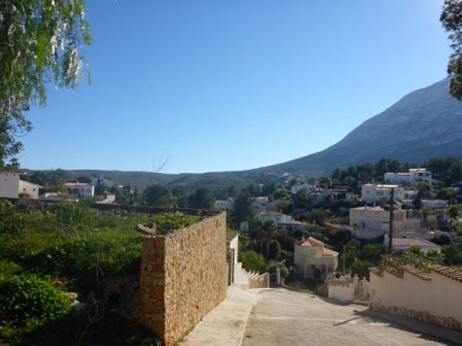 PL03 Plot of land for sale in Denia with views to the Montgó. - Property Photo 3