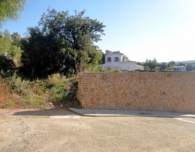 PL03 Plot of land for sale in Denia with views to the Montgó. - Property Photo 7