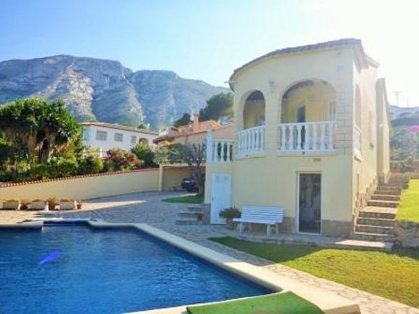 VP69 Villa For Sale in Denia with 2 Bedrooms in Alicante, Spain - Photo