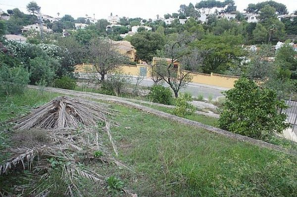 PL18 Plot of land for sale close to Denia, Alicante ,with partial sea views. - Photo