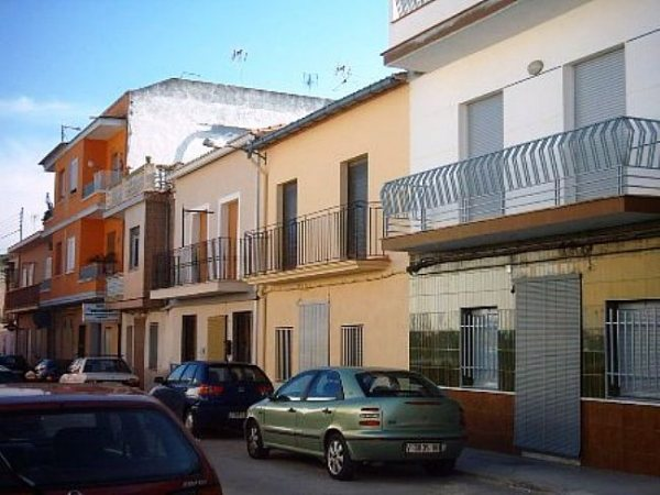 TH17 Townhouse For Sale in La Pobla Llarga with 3 Bedrooms - Photo