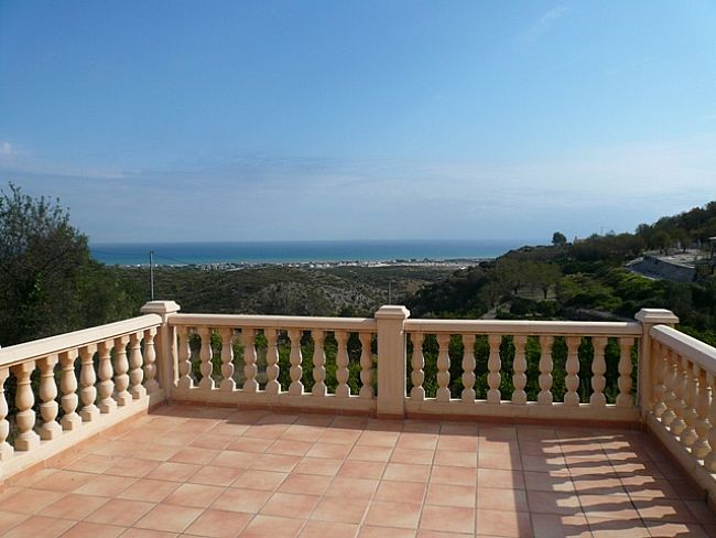 V09 Villa For Sale in Rafol De Almunia with 2 Bedrooms - Property Photo 2
