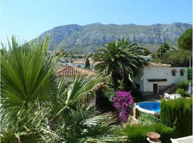 VP14 Villa For Sale in Denia with 4 Bedrooms - Property Photo 2