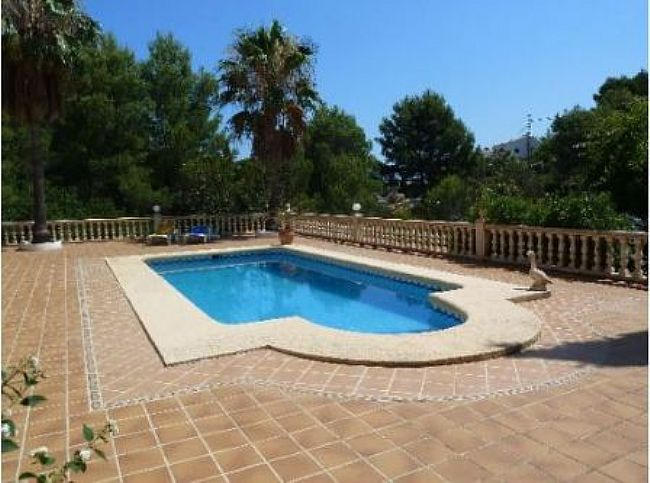 VP14 Villa For Sale in Denia with 4 Bedrooms - Property Photo 3