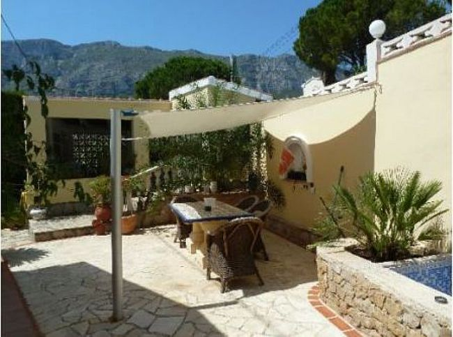 VP14 Villa For Sale in Denia with 4 Bedrooms - Property Photo 5