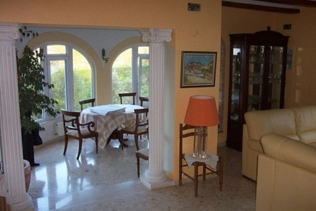 VP14 Villa For Sale in Denia with 4 Bedrooms - Property Photo 7