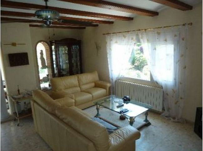 VP14 Villa For Sale in Denia with 4 Bedrooms - Property Photo 8