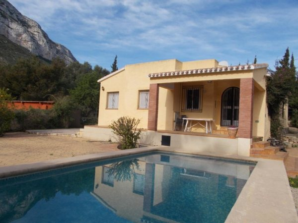 VP79 3 Bedroom Villa for sale on the Montgó with mountain views. Denia. - Photo