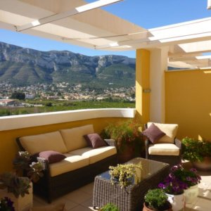 A06 Penthouse for sale in Denia, Alicante, with sea and mountain views.