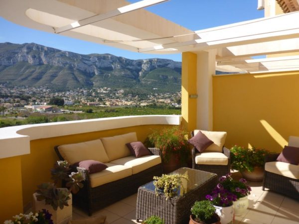 A06 Penthouse for sale in Denia, Alicante, with sea and mountain views. - Photo