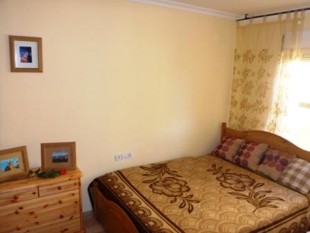 P07 Piso en venta de 3 dormitorios con vistas al mar, en Denia. - Foto