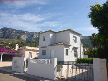V17 3 Bedroom Villa for sale in la Pedrera, Denia, Alicante, Spain. - Photo