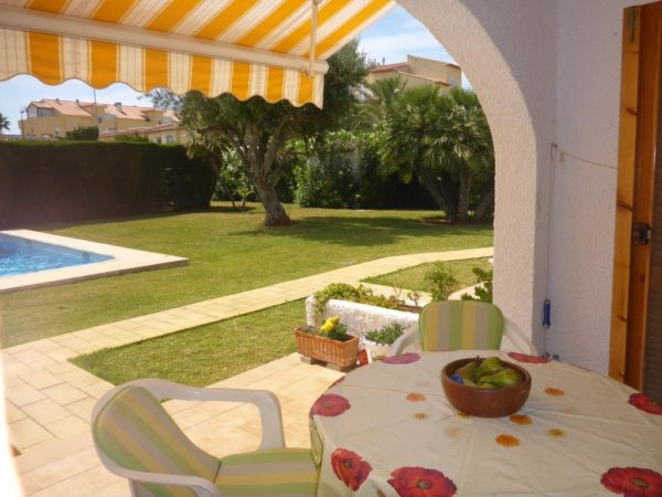A25 Ground floor apartment for sale close to the beach and to Denia - Photo
