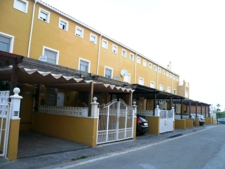 B15 4 Bedroom Triplex Bungalow for sale in Denia, Alicante. - Photo