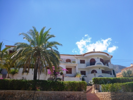 A24 3 Bedroom Ground floor Apartment for sale with sea views on the Montgó, Denia. - Photo