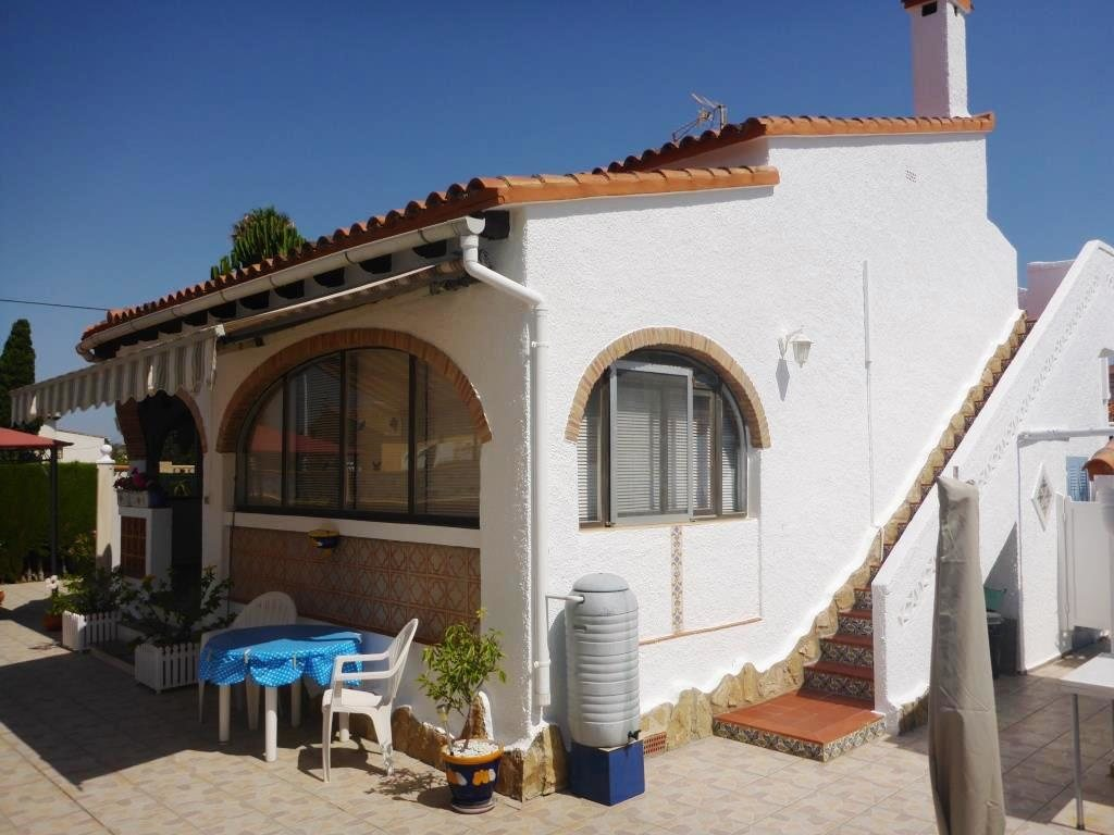 V21 2 Bedroom Villa for sale in Els Poblets , very close to the beach. - Property Photo 12