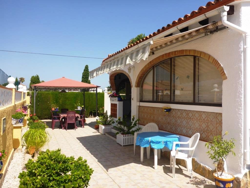 V21 2 Bedroom Villa for sale in Els Poblets , very close to the beach. - Property Photo 2
