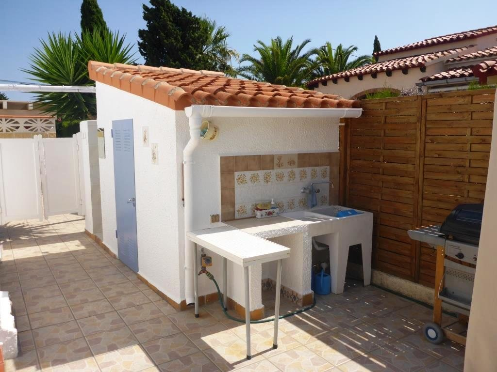 V21 2 Bedroom Villa for sale in Els Poblets , very close to the beach. - Property Photo 9
