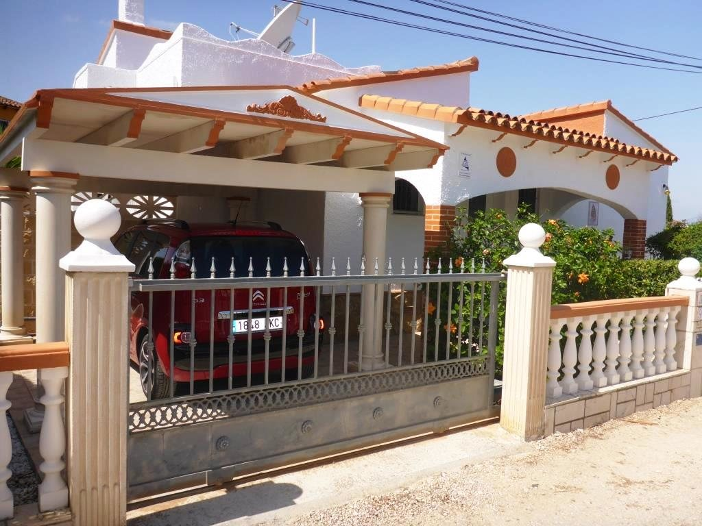 V21 2 Bedroom Villa for sale in Els Poblets , very close to the beach. - Property Photo 1