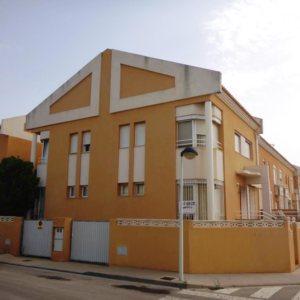 B01 Bungalow de 4 dormitorios en venta en Ondara, Alicante.