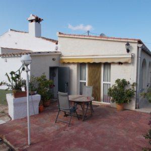 V40 Villa For Sale in Pedreguer with 3 Bedrooms