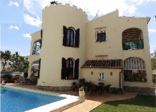 VP09  Villa for sale on the Beach  in Els Poblets , Spain - Photo