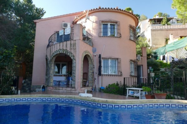 VP32 4 Bedroom Villa for sale with sea and mountain views on the Montgó, in Denia - Photo
