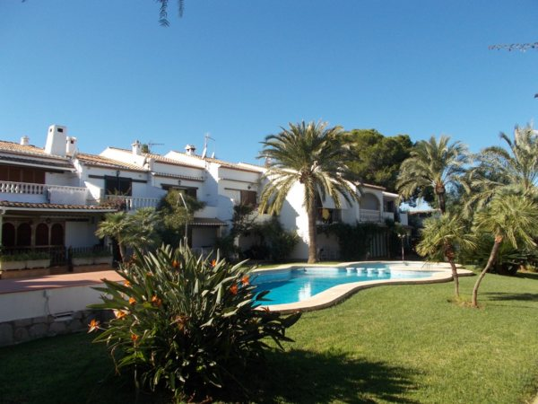 B08 Townhouse for sale near the town and beach in Denia. Spain - Photo
