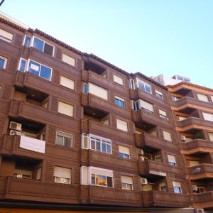 P25    2 Bedroom flat for sale in the centre of Denia