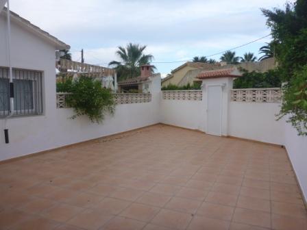 B26 Bungalow de 3 dormitorios en venta en Las Marinas km 2, Denia - Foto