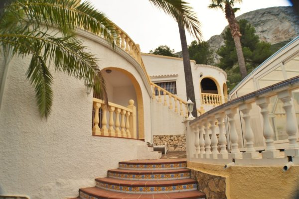 VP33  2 bedroom villa with sea views for sale on the Montgó , Denia - Photo