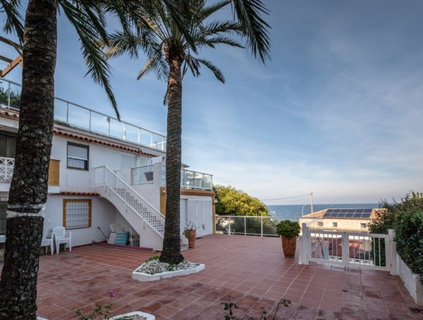 A34 4 bedrooms apartment second line beachfront for sale in Las Rotas, Denia - Photo